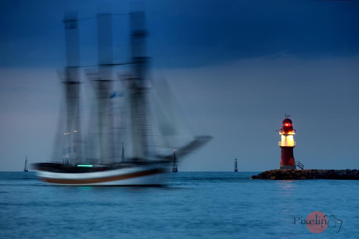 Rückkehr von der Abendfahrt zur Hanse Sail